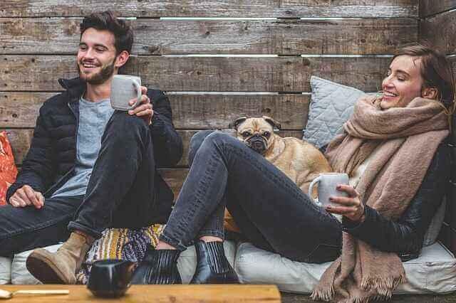 Mann, Frau und Hund